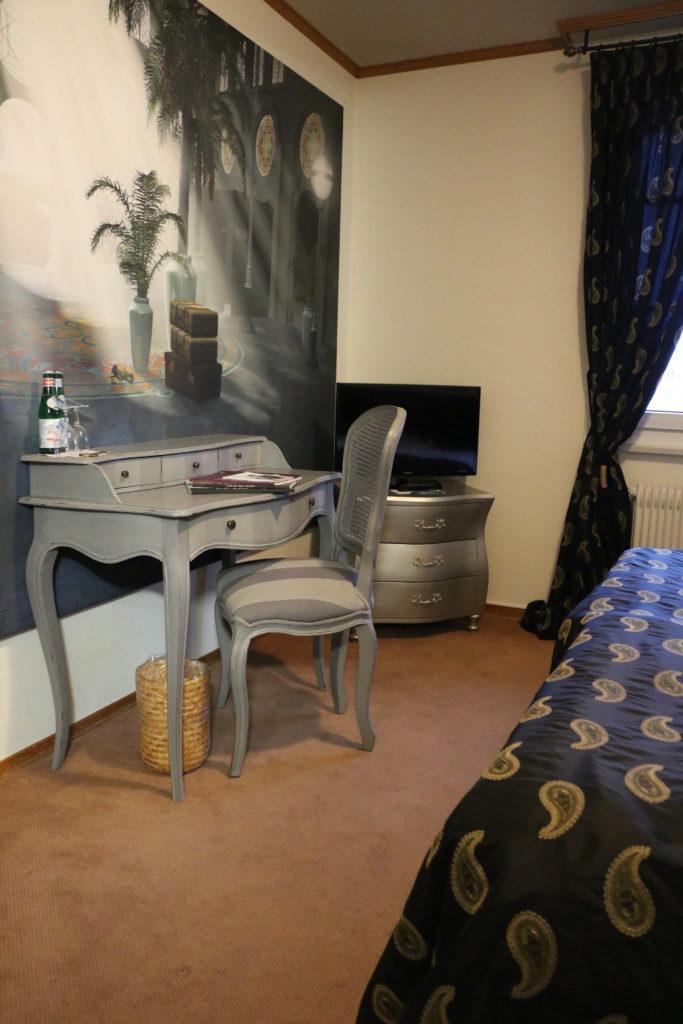 l orient express hostellerie de gen ve. Black Bedroom Furniture Sets. Home Design Ideas